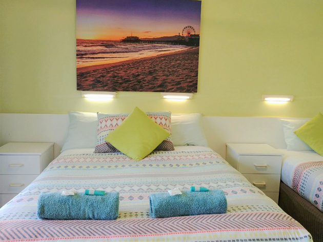 Comfortable Twin Standard Garden View Room Accommodation at Ocean View Motel - Mollymook NSW