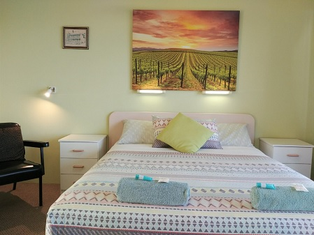 Queen Ocean View Room Accommodation at Ocean View Motel - Mollymook NSW. Free Wi-Fi is included.
